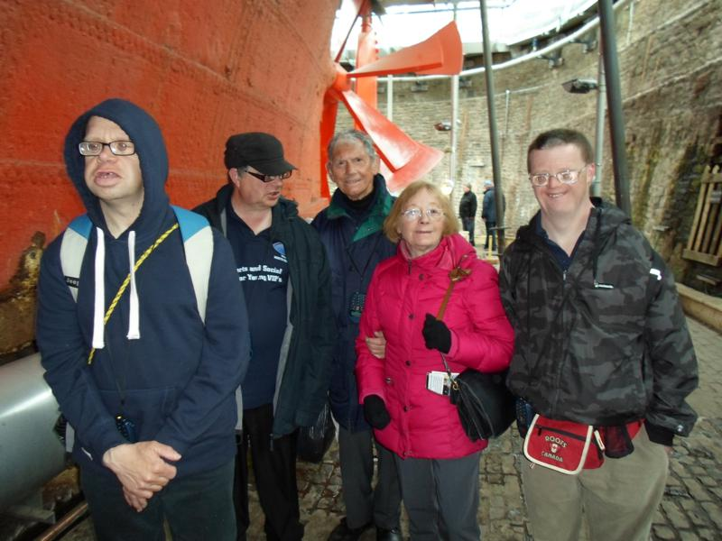 JAMES, ERNEST, HARRY, SYLVIA & ANDREW UNDERNEATH THE SHIP'S HULL