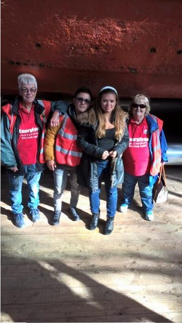 Marie, Rob, Hayley & Jackie below the hull in the dry dock.
