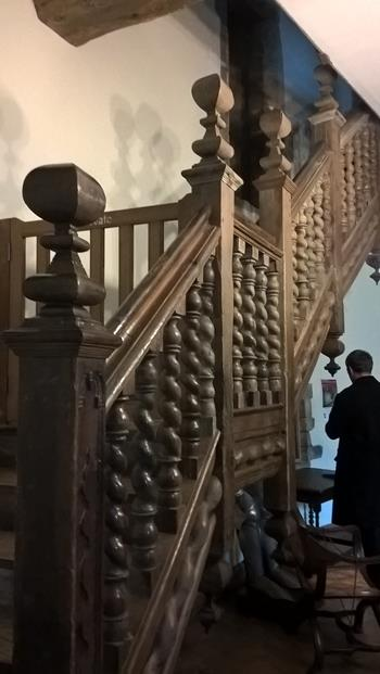 BEAUTIFUL STAIRCASE IN THE SAME AREA