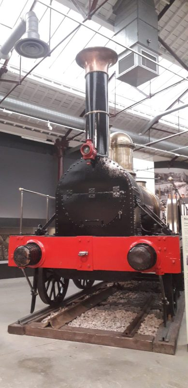 Brunell's Iron Duke wide gauge engine, 7ft 4in (2140 mm)